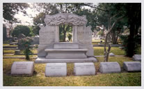 Gravesite of Henry MacGregor - 1855 - 1923. He came to Houston in 1883 and was the benefoactor of MacGregor Park and MacGregor clinics.